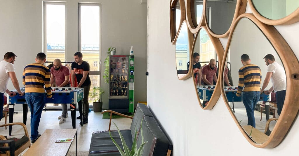 5 reasons to work in a coworking